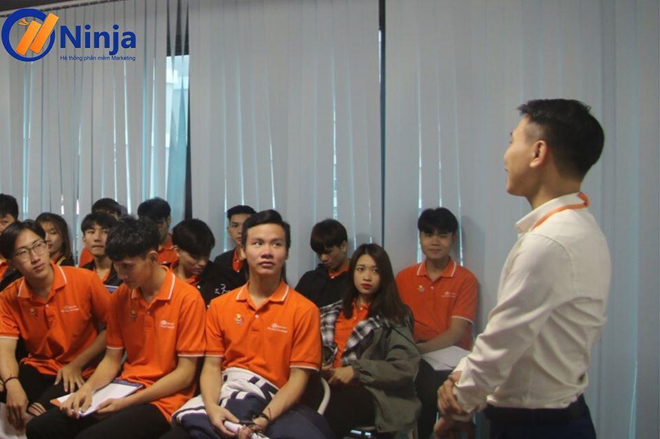74786454 1061854260834391 5207160006834651136 o Lan tỏa nét đẹp văn hóa doanh nghiệp Ninja trong buổi thăm quan thực tế của sinh viên FPT Polytechnic tại công ty
