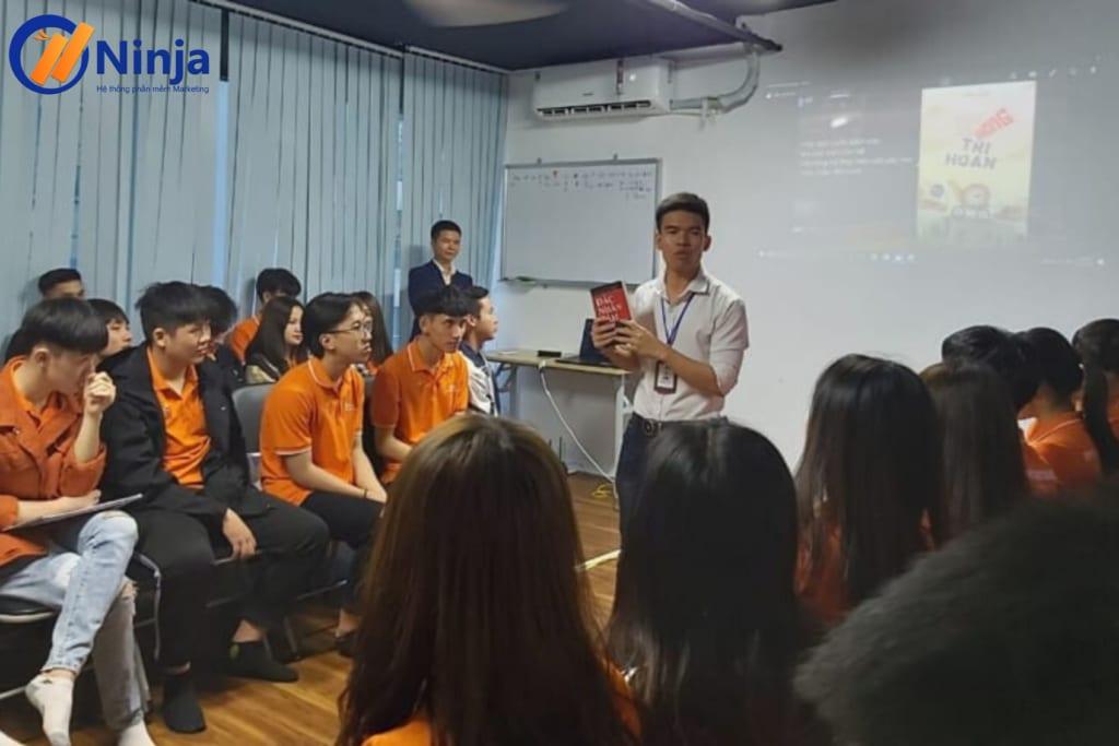 Thiết kế không tên 1 1024x683 Lan tỏa nét đẹp văn hóa doanh nghiệp Ninja trong buổi thăm quan thực tế của sinh viên FPT Polytechnic tại công ty