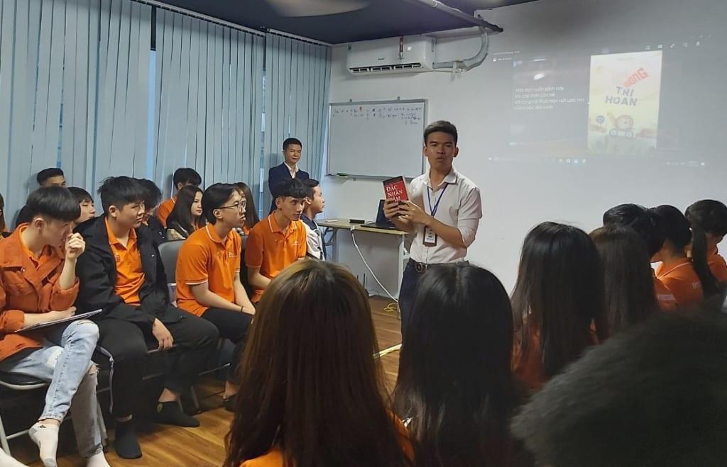 chia se ky nang mem23 1 1024x659 Chia sẻ Kỹ năng với tân sinh viên FPT Polytechnic trong buổi giao lưu tại Phần mềm Ninja
