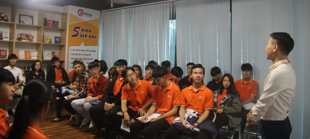 chiasekinhnghiem3 1024x459 Chia sẻ Kỹ năng với tân sinh viên FPT Polytechnic trong buổi giao lưu tại Phần mềm Ninja