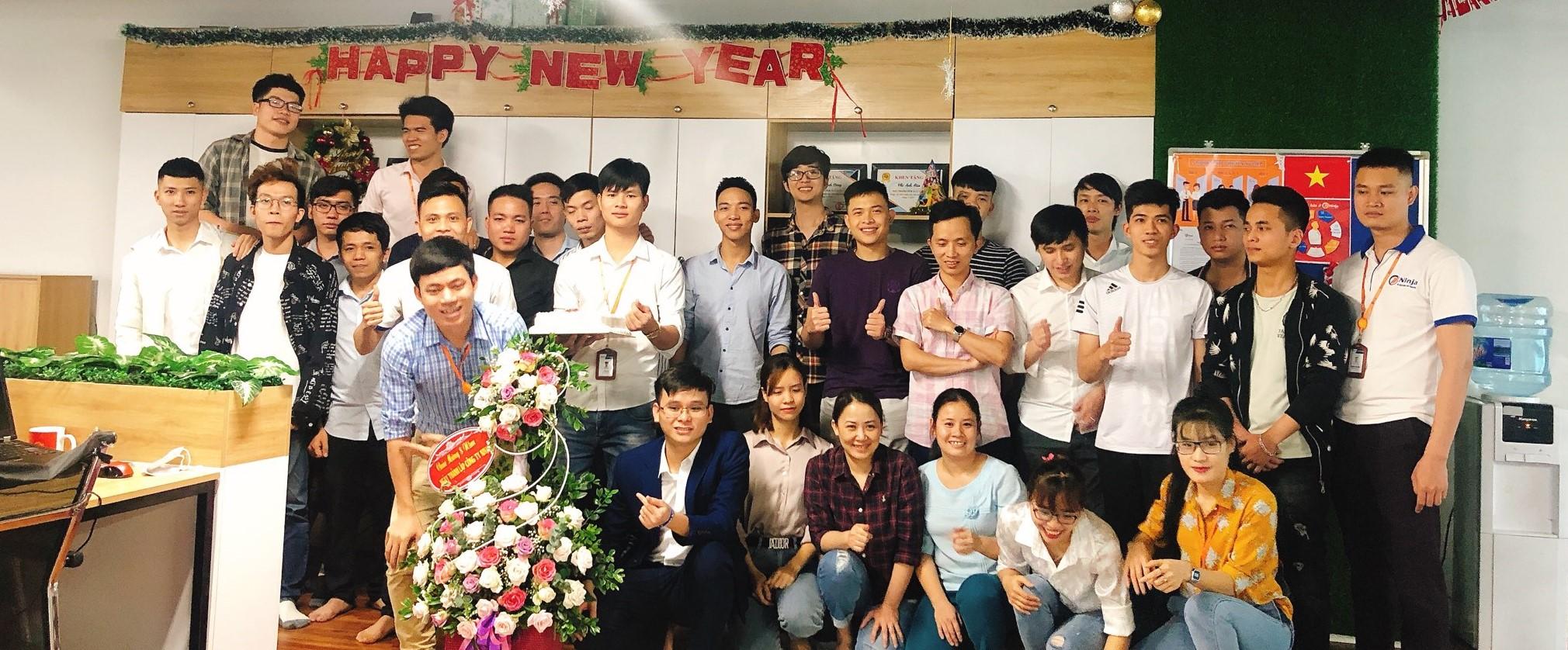 26A6CEA7 B137 4028 90E3 BD0B52151988 Kỉ niệm 8 năm thành lập công ty   Gắn kết vươn xa