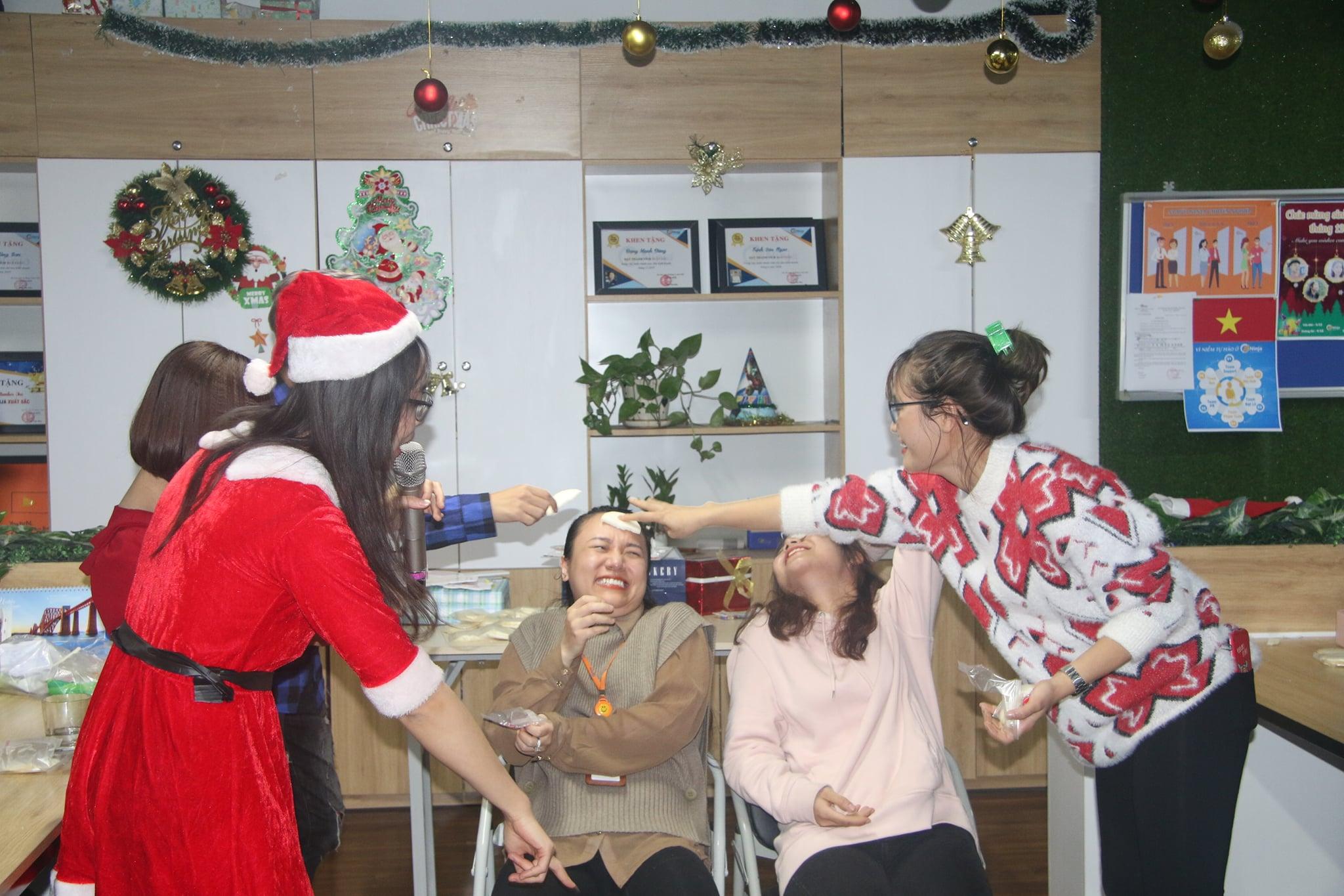 sinh nhat thanh vien thang 12.8pg Tháng 12 ấm áp và nhiều niềm vui với đại tiệc cuối năm
