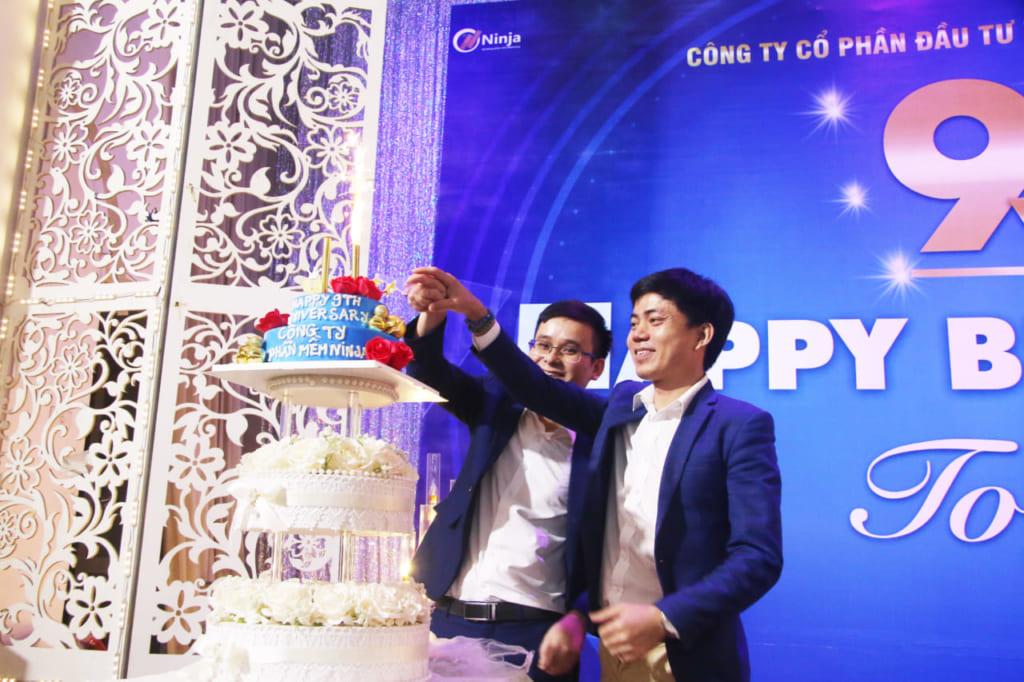 sinh nhat cong ty 22jpeg 1024x682 Phần mềm Ninja   Happy Birthday To Us