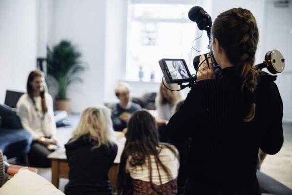 dung cu livestream3 e1625717643592 Top 7 dụng cụ livestream chuyên nghiệp hỗ trợ bán hàng đỉnh cao