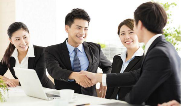 doi tac kinh doanh2 Business partner là gì? Vai trò chiến lược của Business partner